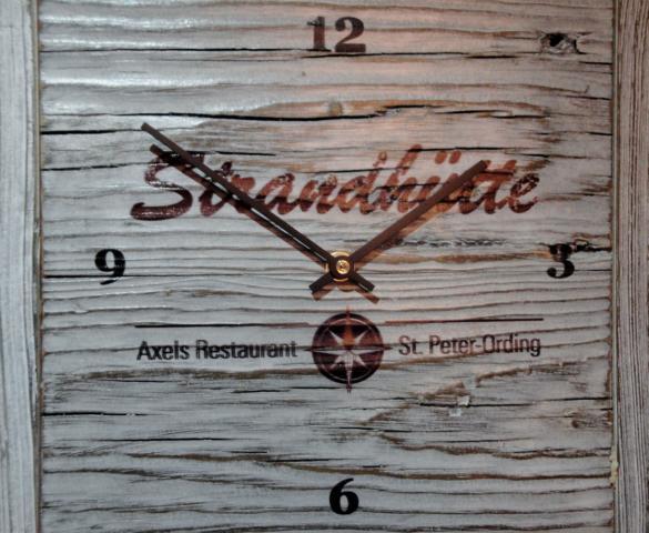 K640_Strandhütte Uhr Groß 1